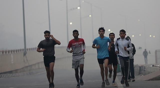 Yeni Delhide hava kirliliği tehlikeli seviyede