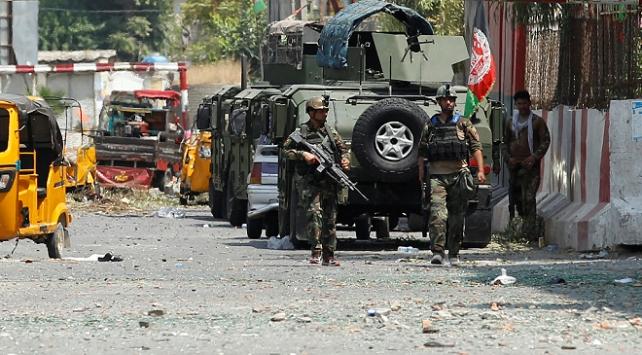 Afganistanda bomba yüklü araçla saldırı: 1 ölü, 16 yaralı