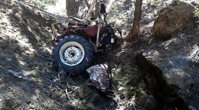 Beypazarında traktör uçuruma devrildi: 2 ölü