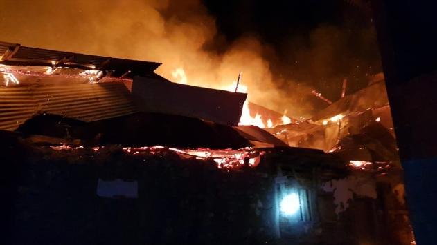 Giresunda yangın: 1 ev, 3 ahır ve 4 samanlık kül oldu