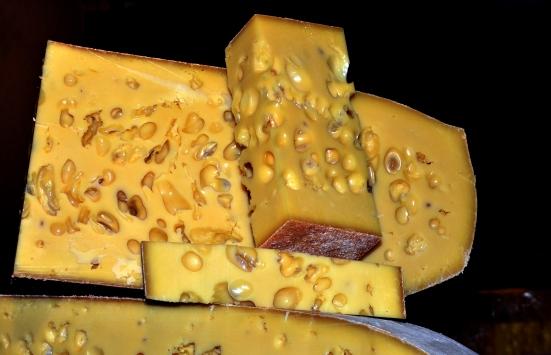 Sezonun ilk gravyer peyniri tezgahlarda yerini aldı