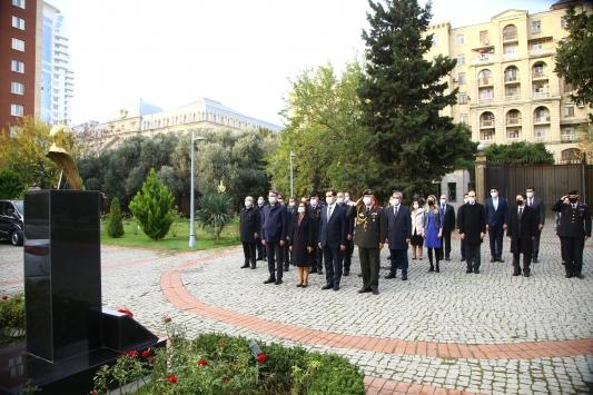 Büyük Önder Atatürk Azerbaycanda anıldı