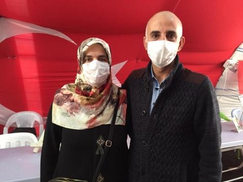 Evladına kavuşan aile sevincini Diyarbakır anneleriyle paylaştı