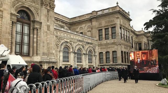 Vatandaşlar Dolmabahçe Sarayında tek yürek oldu