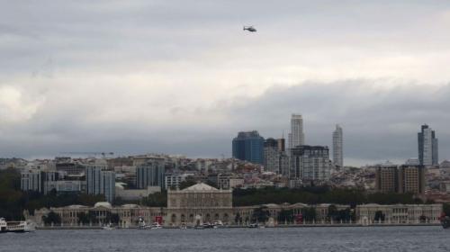 Polis helikopteriyle Dolmabahçe üzerinde saygı duruşu