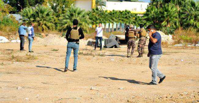 Antalyada silahlı eylem yapan kişi, polis ekiplerince ikna edildi