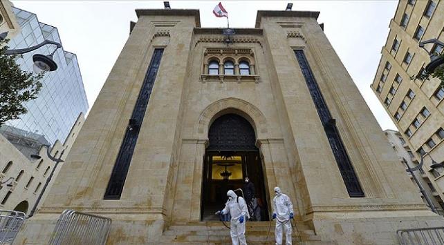 Lübnanda 15 gün genel karantina uygulanacak