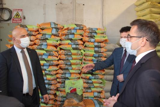 Beypazarında 180 çiftçiye yem tohumu dağıtıldı