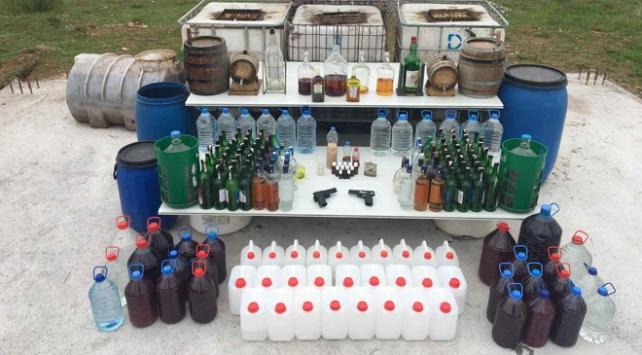 Kocaelide kaçak içki operasyonu: 3 gözaltı