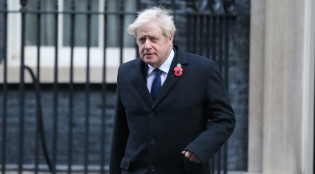 İngiltere Başbakanı Johnsondan Bidena tebrik telefonu