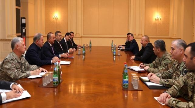 Türk heyetten İlham Aliyeve tebrik ziyareti