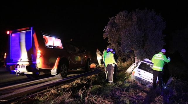 Muğlada otomobil ağaca çarptı: 1 ölü