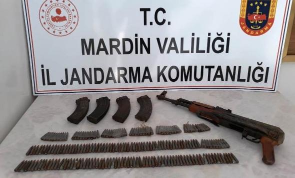 Mardinde terör operasyonunda uzun namlulu silah ve mühimmat ele geçirildi