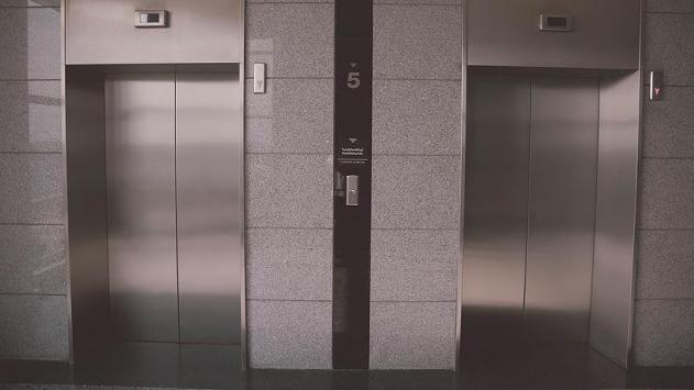 Uzmanlar uyarıyor: Deprem esnasında asansör kullanmayın