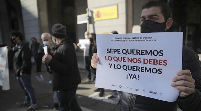 İspanyada eğlence sektörü çalışanları kısıtlamaları protesto etti