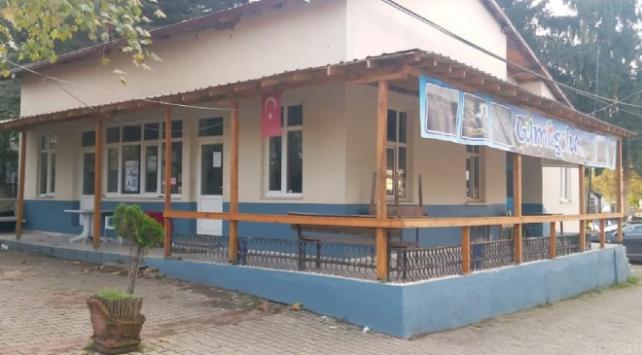Sakaryada 4 esnaf salgın nedeniyle kahvehanelerini gönüllü kapattı