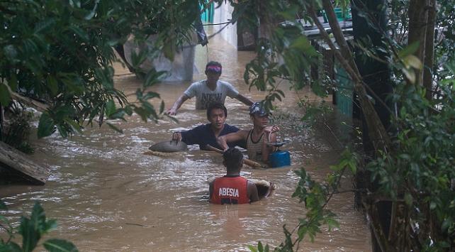 Filipinleri Vamco tayfunu vurdu