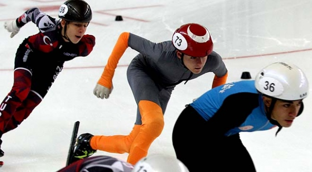 Buz pateninde Short Track Nene Hatun Kupası yarışları başladı