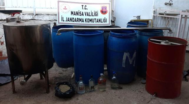 Manisada 4 bin 777 litre sahte içki ele geçirildi