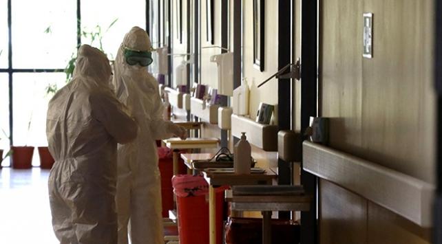 COVID-19 nedeniyle bugüne kadar 144 sağlık çalışanı hayatını kaybetti