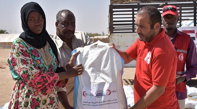 Türk Kızılaydan Sudandaki sel mağdurlarına gıda yardımı