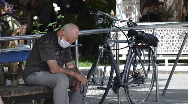 Üç kentte daha 65 yaş ve üstüne sokağa çıkma kısıtlaması
