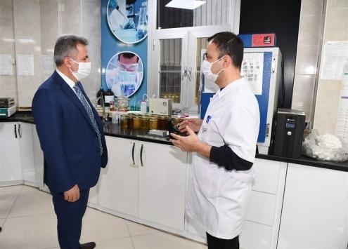 Adana Valisi Süleyman Elban, Kozan ilçesinde kamu kurumlarını ziyaret etti