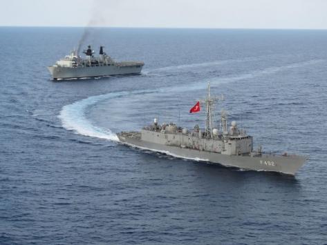 Türk ve İngiliz gemileri Doğu Akdenizde geçiş eğitimi gerçekleştirdi