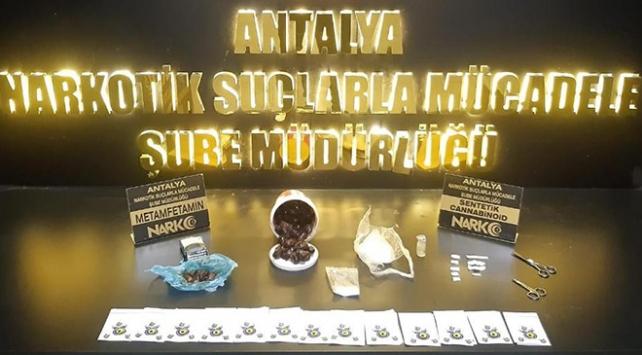 Antalyada hurma içine enjekte edilmiş uyuşturucu ele geçirildi