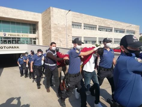 Antalyada 4 kişinin yaralandığı silahlı kavgaya ilişkin 19 şüpheli yakalandı