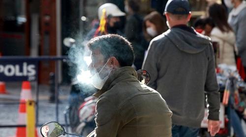 Sigara dumanı virüsün yayılımını 4 kat arttırıyor