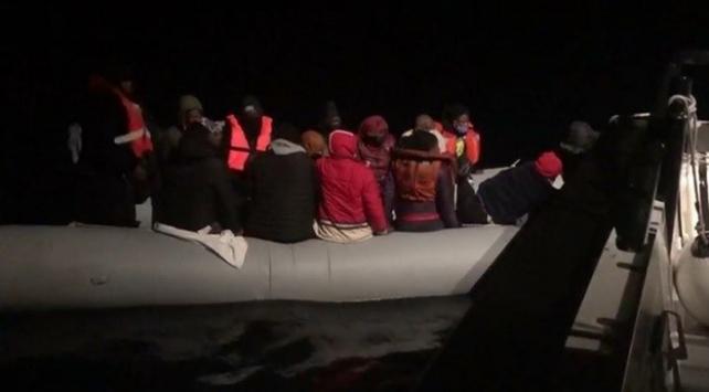 Muğla açıklarında mahsur kalan 19 sığınmacı kurtarıldı
