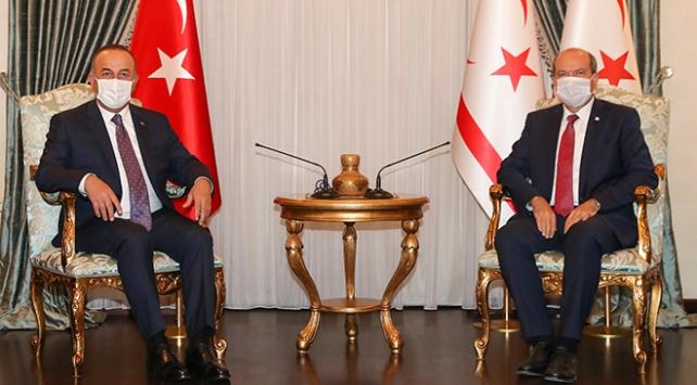 KKTC Cumhurbaşkanı Tatar, Dışişleri Bakanı Çavuşoğlunu kabul etti