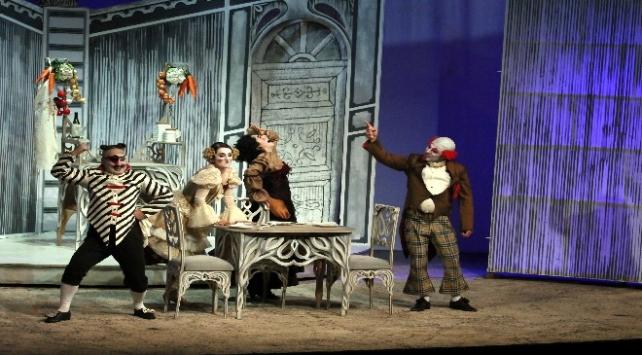 Samsunda Doktor Mucize komik operası sahnelendi