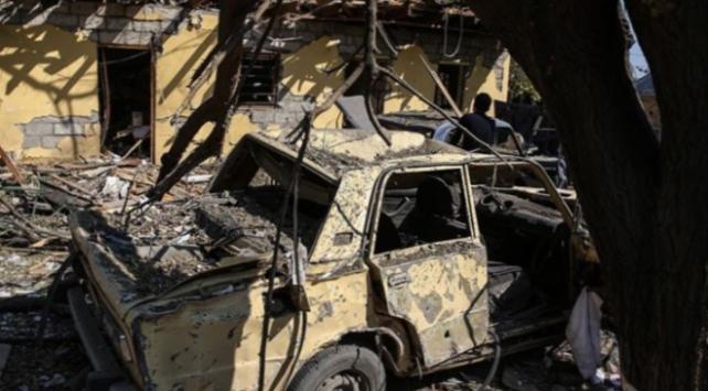 Ermeniler terk ettikleri yerleşim yerlerini ateşe veriyor