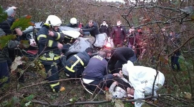 Düzcede otomobil fındık bahçesine devrildi: 4 yaralı