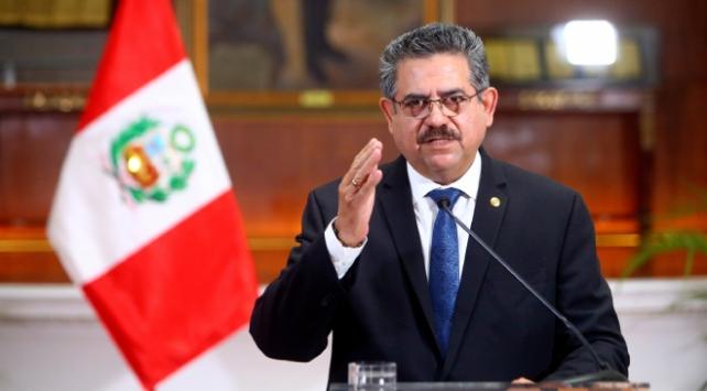 Peruda geçici Devlet Başkanı Merino istifa etti