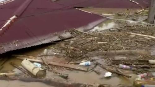 Kolombiya'yı tropikal fırtına vurdu