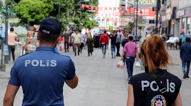 Kocaelinde tedbirlere uymayan 358 kişiye para cezası