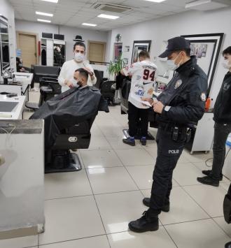 Kocaelide Kovid-19 tedbirlerine uymayan 358 kişiye para cezası