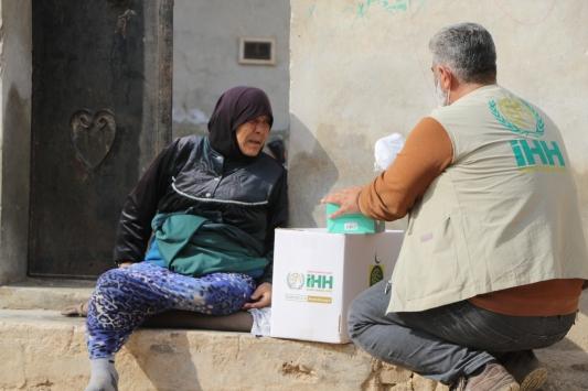 İHH ve Kuveyt IICOdan İdlibe gıda yardımı