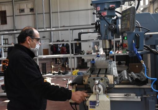 Erzurumda elektrikli otomobillerin portatif şarj üniteleri üretilmeye başlandı
