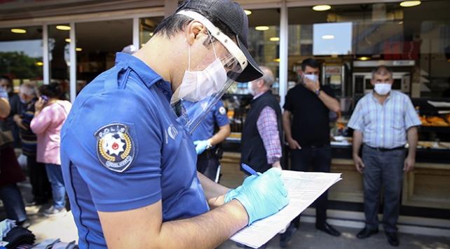 Maske, mesafe ve sigara kuralını ihlal edenlere ceza yağıyor