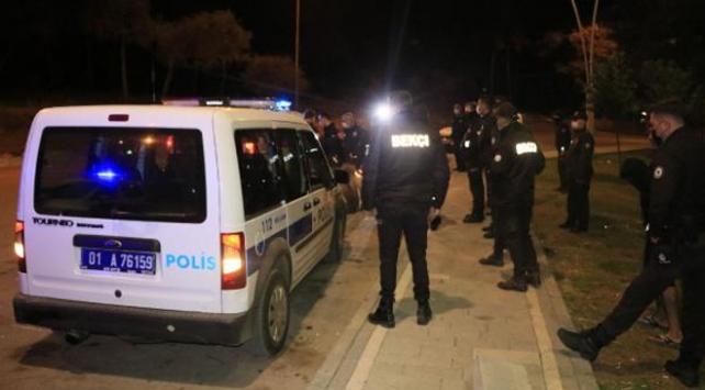 Kimlik kontrolü yapan polise taşla saldıran iki kişi gözaltında