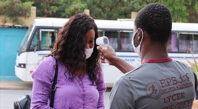 Afrika kıtasında COVID-19 vaka sayısı 2 milyona yaklaştı