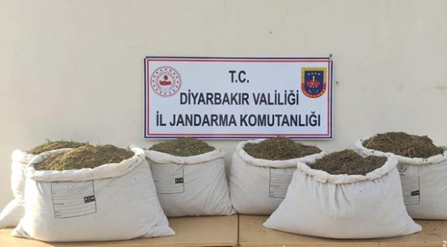 Diyarbakırda 308 kilo esrar ele geçirildi