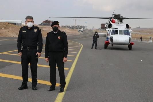 Kayseride jandarmadan helikopter destekli trafik denetimi