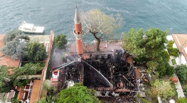 Vaniköy Camiinin itfaiye raporu: Yangın elektrik tesisatından çıktı