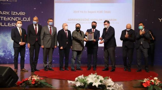 """Teknopark İzmirde """"Yüksek Teknoloji"""" ödülleri sahiplerini buldu"""