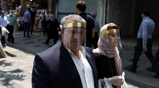 İranda koronavirüsten ölenlerin sayısı 42 bini geçti
